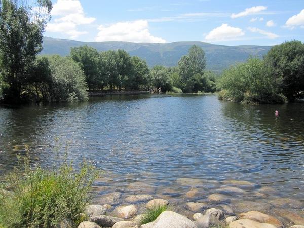 Las presillas de rascafr a for Las presillas piscinas naturales de rascafria